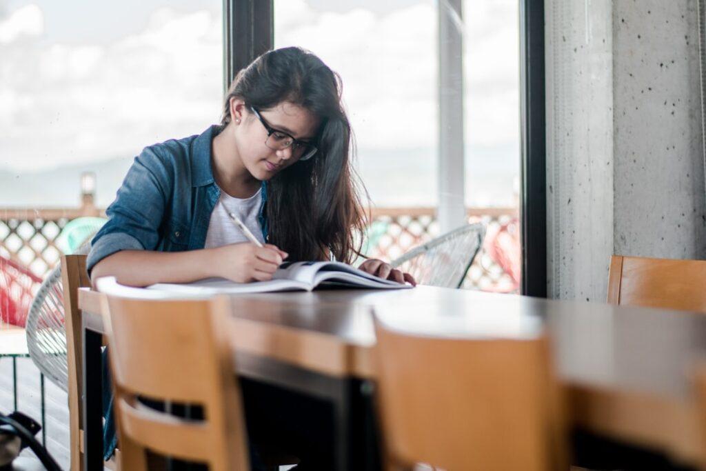大学入試の口頭試問は面接試験とどう違うのか?目的と対策方法は?